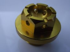 "CNC gold alloy Oil filler cap ""Lockwire drilled"" RSV1000 (09), Aprillia M20x1.5"